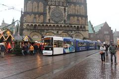 Bremen tram (Davydutchy) Tags: christmas public germany deutschland december trolley transport tram weihnachtsmarkt stadtmitte bremen streetcar allemagne mitte regen hb duitsland freie hansestadt niedersachsen 2015 strasenbahn