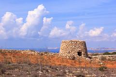 Girna (RunningRalph) Tags: girna malta schuilhut shelter rabat