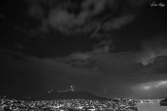 Zacatecastorm (unvictorhugo) Tags: bufa noche rrayos zacatecas cielo blanco negro black blancoynegro blackandwhite bl bw rayos tormenta estrellas nubes