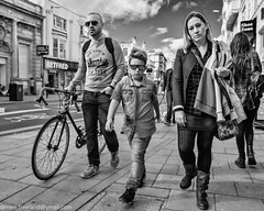 STREET COOL FAMILY (dens_lens) Tags: candid street streetphotography brighton england