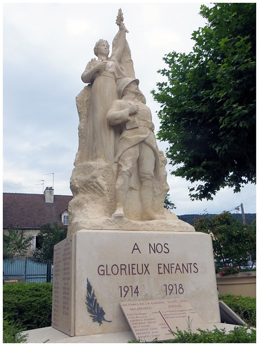Monument aux morts de Santenay,Cote d'Or..