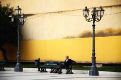 I vecchi sulle panchine dei giardini... (encantadissima) Tags: portoempedocle agrigento sicilia piazza vigata