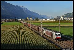Lokomotion 186 285 + 186 284, Vomp, 18-08-2011 (Sander Zwoferink) Tags: lokomotion186284 vomp 18082011 lokomotion 186 186284 lokomotion186285 285 2011 oostenrijk alpen alps autotrein schwaz