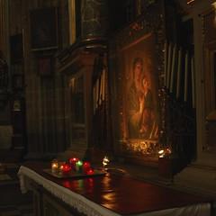 DEVOCIN. (NIKONIANO) Tags: iglesia velas devocin sacro templo icono