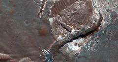 ESP_022706_1485 (UAHiRISE) Tags: mars nasa jpl mro universityofarizona uofa ua landscape geology science
