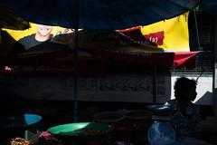 * (Sakulchai Sikitikul) Tags: street snap streetphotography summicron songkhla sony a7s thailand market silhouette smile