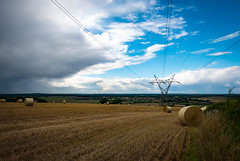 Power to the people (DavidPadley) Tags: harvest mast tuxford