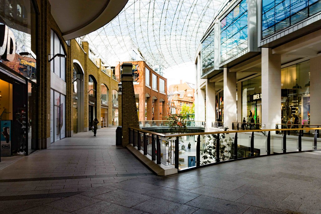 2015 VISIT TO VICTORIA SQUARE SHOPPING CENTRE [BELFAST] REF-108823