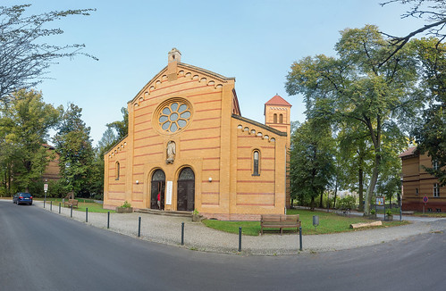 Krankenhauskirche im Wuhlgarten Foto: Ole Bader 1102Panorama