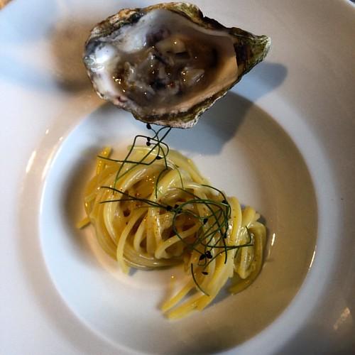 #locandaseverino #michelin #foodporn #carbonara #pasta #ostrica #oysters #amazing #foodie #italy #foodvalleyexperience #chef #chefvitantonio #campania #lucania