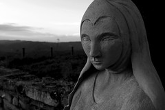 Sguardi (BerrutiGiulia) Tags: bw italy italia piemonte cuneo statua piedmont langhe bergolo
