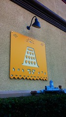 Dalek Cheese Grater sign, Del Taco (mercycube) Tags: doctorwho burbank dalek deltaco thingsthatlooklikedaleks