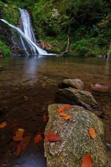 Schwarzwald im Herbst 27 (der_zero) Tags: canon eos wasserfall herbst bltter schwarzwald allerheiligen ndfilter 70d