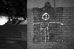 Arte moderna (renanluna) Tags: blackandwhite bw argentina wall buenosaires fuji grafitti arte tag monochromatic pb fujifilm arg 54 pretoebranco monocromia parede x100 renanluna fujifilmfinepixx100