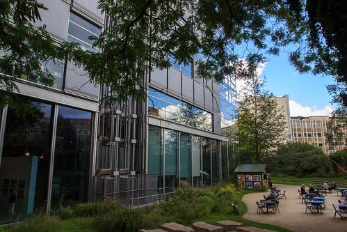 Thumbnail from Fondation Cartier pour l'Art Contemporain