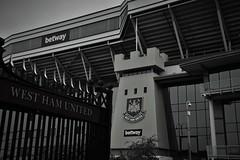 Boleyn Ground - West Ham United (Photography by Eric Hentze) Tags: city uk greatbritain travel england white black london grey football nikon eric outdoor stadium united ground stadion schwarz londoncity irons westhamunited nikond3200 westham premierleague fusball weis boleyn boleynground hentze grosbritannien