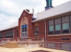 Old Roslyn Elementary School (1924) (Richard Micco) Tags: kodak elementaryschool dx7590 easyshare abington roslyn