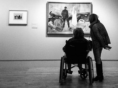 Two Humans contemplating Two Human Beings (Arrëtez la Musique) Tags: madrid españa art painting blackwhite spain women arte expo wheelchair exhibition donne museo thyssen munch mujeres pintura cuadro exposición edvardmunch señoras signore silladeruedas eduardmunch thyssenbornemisza museothyssenbornemisza bornemisza twohumans twohumanbeings dueesseriumani