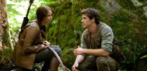 """Jennifer Lawrence diz que já ficou com Liam Hemsworth: """"Ele é lindo"""""""