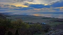 Grand view (J. Roseen) Tags: lumia950 pureview grnna visings vttern sweden sverige norden nordic scandinavia skandinavien vtterbranten clouds moln scenic view utsikt landskap landscape outdoor