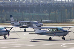 A SMALL AIRPORT, SOME PARKS AND CLOUDS - LIV (Jussi Salmiakkinen (JUNJI SUDA)) Tags: chofu tokyo japan cityscape park airport sky cloud aircraft wood airplane lateautumn earlywinter landscape