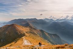 Piękna pogoda, a turystów coś mało... (czargor) Tags: tatry nature mountians mountainside tatra mountains czerwone wierchy