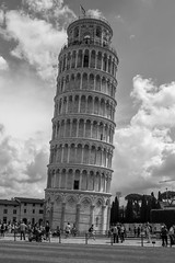 (Jason Clifton) Tags: canon canon5dmarkiii 5dmarkiii 5dm3 ef35mmf14lusm 35mmf14l 35mm 35mml streetphotography documentary photojournalism nationalgeographic natgeo primelens nozoom noflash availablelight existinglight naturallight architecture lookingup pisa italy tower leaningtowerofpisa pisatower ornate ngc