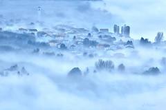 Mattino a Verceia (soldato ribelle) Tags: verceia nebbia mattino colore azzurro italia italy lombardia paesaggio landscape lago
