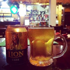 1st time trying Sri Lanka's local Lion beer🍺 Tastes better than Tiger 😁  #lionbeer #srilanka