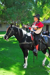 20161108 The Singing Cowboy (Gary Sprague) and Dusty (lasertrimman) Tags: 20161108 the singing cowboy gary sprague dusty thesingingcowboyanddusty garysprague wooddalevillage horse