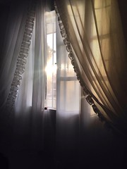 """Tutto sembrer migliore alla luce che verr dal sole...""  (NahMeyer) Tags: delicate morning amanhecer colors wonderful love life window light sun sole"