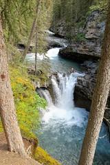 Johnston Canyon Trail (Patricia Henschen) Tags: banff nationalpark alberta canada banffnationalpark parkscanada parcs parks trail johnstoncanyon johnstoncreek waterfalls waterfall hike canyon creek canadianrockies