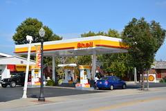 Shell, Edwardsville Illinios. (EYBusman) Tags: ranch street station design illinois garage shell super center gas service petrol gasoline rons filling edwardsville vandalia eybusman