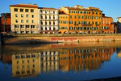 Pisa bicolore (pineider) Tags: italy italia boobs titts pisa topless
