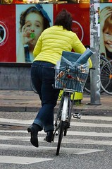 I want to ride my bicycle bicycle bicycle (os♥to) Tags: sony alpha77 a77 slt december2015 bicycle bike bici vélo rower bicicleta fietssykkel cykel velo fahrrad street streetphotography candid people