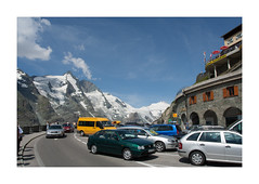 IMG_2594 (csinnbeck) Tags: mountain mountains cars car canon eos 350d austria sterreich parkinglot parking 1740mm 2007 grossglockner hochalpenstrasse strig
