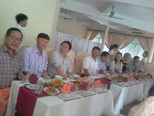 """VIỆN ĐÓN  Đoàn công tác của Giám đốc Đại học Nakhon Phanom đến thăm và ký văn bản hợp tác • <a style=""""font-size:0.8em;"""" href=""""http://www.flickr.com/photos/145755462@N06/25309393979/"""" target=""""_blank"""">View on Flickr</a>"""