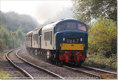 'Peaks' D182 and 45041 power the late-running 2E50 away from Orton Mere at Longueville Junction, October 15th 2016 (Bristol RE) Tags: peak 45 46 class45 class46 45041 d182 182 46045 royaltankregiment longuevillejunction nvr nenevalleyrailway 2e50 d53 53