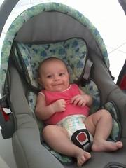 Brenda na Casa Nova (Wilson_Santos) Tags: brenda beb conforto casa sorrindo nenm