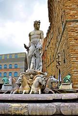 Florence IX (Makro Paparazzi) Tags: italy italija italia sculpture europe evropa eurotrip travelphotography florence firenze firenca nikon nikond7000 nikon18105mmf3556vr outdoor statue