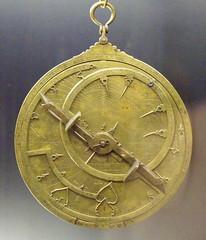 +Astrolabio andalusÃ- Toledo 1067 (M.A.N.) 04 (gorbutovich) Tags: espaã±a madrid museoarqueolã³giconacional astrolabio toledo 1067 said alsahali spain astrolabe luisgarcãa nationalarchaeologicalmuseum comunidaddemadrid spainespaã±a