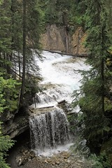 Running Water (Patricia Henschen) Tags: banff nationalpark alberta canada banffnationalpark parkscanada parcs parks trail johnstoncanyon johnstoncreek waterfalls waterfall hike canyon creek canadianrockies