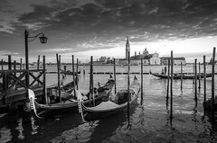Venezia (Immacolata Giordano) Tags: venezia venice italia italy tramonto sunset gondole nikond7000