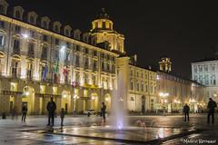 (IlPoliedrico) Tags: cittaditorino torino turin italy night lights luci citycenter centro fountain fontana piazzacastello