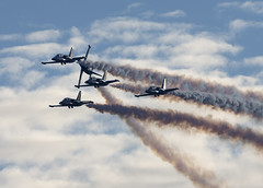 Breitling Jet Team_CYXX_4916 (Mike Head -Jetwashphotos) Tags: canada bc britishcolumbia performers westcoast albatross abbotsford l39 westerncanada breitlingjetteam jetteam pacificregion sevenship francebased professionalscivilan