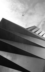 Large modern metal sculpture London UK (spencerrushton) Tags: city uk summer sky blackandwhite bw sculpture white house holiday black london beautiful skyline digital canon outdoors day walk wide spencer efs 1022mm ef londoncity dayout londonuk canonefs1022mmf3545usm rushton canonlens sculptureinthecity spencerrushton