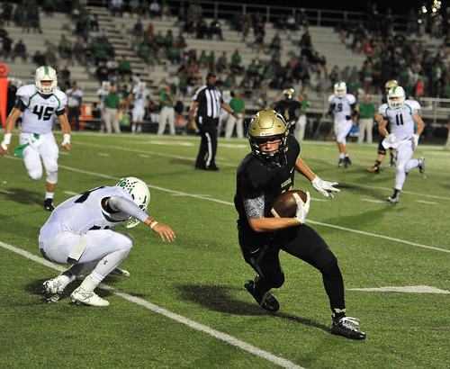 """Faked the defender out of his cleats and scored a TD. Clifton. Junior year. 9.18.2015. • <a style=""""font-size:0.8em;"""" href=""""http://www.flickr.com/photos/38444578@N04/21680087645/"""" target=""""_blank"""">View on Flickr</a>"""