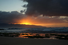 Just Before_DSC07363 (Wes Suzawa's iLand Photos) Tags: sunset sea nature landscape island hawaii paradise surf seascap voigtlanderultron35mmf17