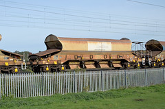 12908 Kingsthorpe 251015 (Dan86401) Tags: 12908 gers12908 12 jja autoballaster open bogie ballast hopper wagon freight nr networkrail gerailservices departmental infrastructure engineers wilsonscrossing kingsthorpe northampton wcml 6r05 carillion