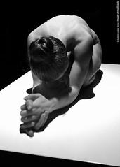 mujer arrodillada (wuploteg1) Tags: untitled kneeling woman sam jinks sin titulo título mujer arrodillada museo bellas artes bilbao arte ederrak bilbo euskadi euskalherria país vasco pais spain